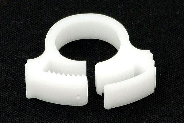 hose clamp 15 - 17mm plastics white